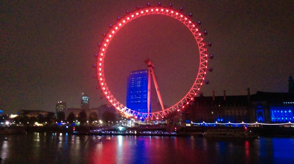 Right at the start of my walk I took this photo of the London Eye