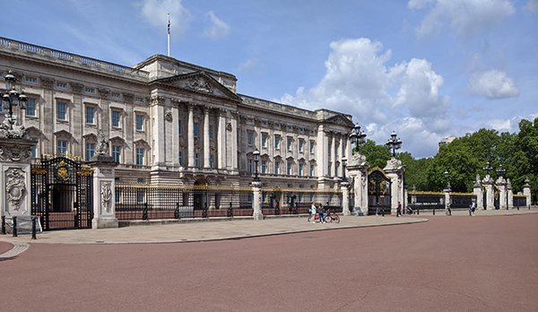 Buckingham Palace during lockdown - 16th May 2020